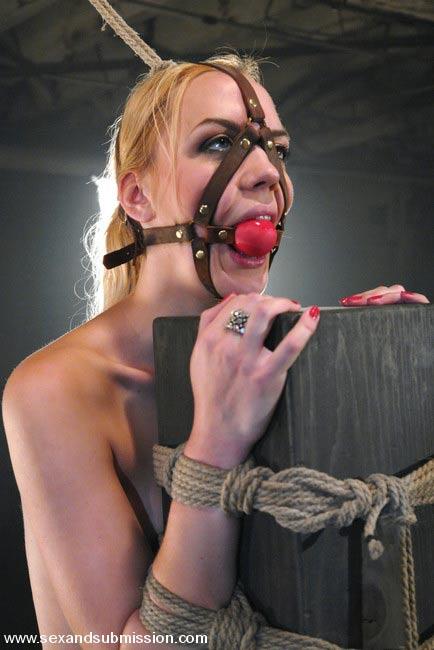 Жестокий секс с девкой Эротика и порно фото, порнуха,секс фотки - на тут-фо